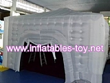 Inflatable cube movie projection tent