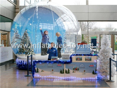 Big Snow Globe with Christmas Decorations